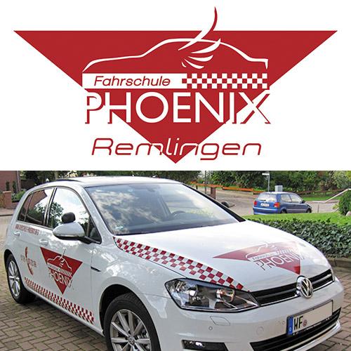 """Fährt im """"modernen Look"""" durch den niedersächsischen Landkreis Wolfenbüttel: Fahrschulfahrzeug mit PHOENIX Beklebung der Agentur DigitalVisionDesign."""